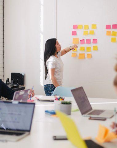compétences digitales chargé.e de communication